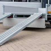 Multitransporter tandemas aanhangwagen met oprijplaten